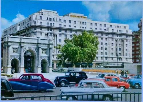 Postcard - Marble Arch and the Cumberland Hotel
